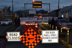 activists shut down port of Vancouver in solidarity with Elsipogtog people