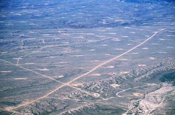 A Feb. 2013 scientific study found an unexpectedly high methane leakage rate in the well-fractured Utah basin. Photo of Utah gas field credit.