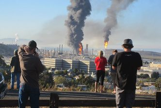 Explosion at the Chevron refinery in Richmond, California in 2012.  Source:  FoundSF (CC BY-NC-SA 3.0)