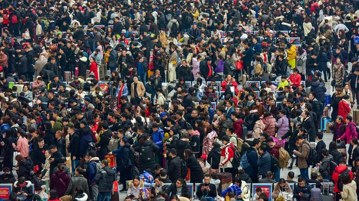 Chinese masses in transit