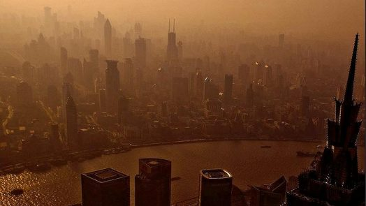 Fine particles hang in the air over Shanghai, China, 2009 (Photo by Lei Han) Creative Commons license via Flickr